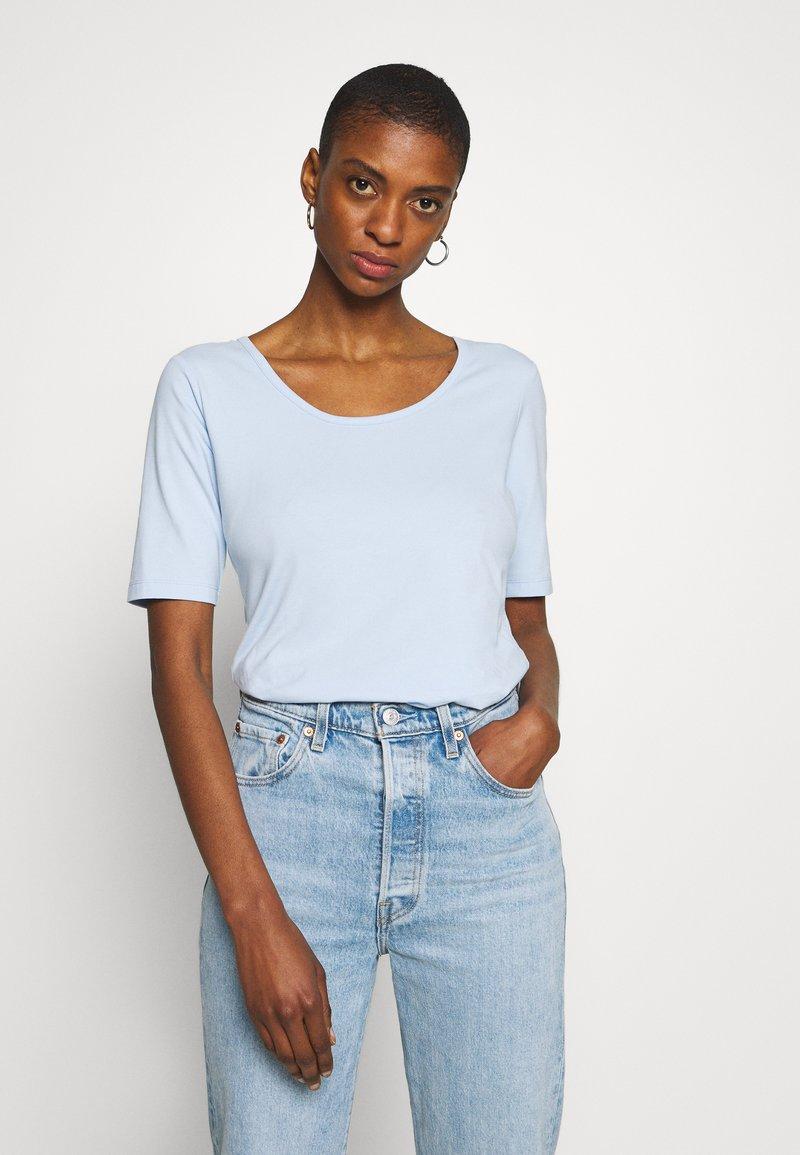 More & More - T-shirts - pleasure blue