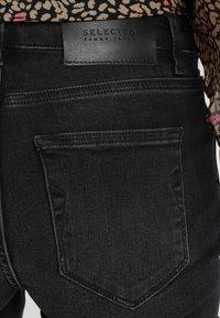 Selected Femme - SLFIDA WASH - Jeans Skinny Fit - black denim - 5