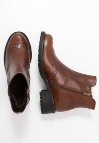 Gabor Comfort - Kotníkové boty - whisky - 3