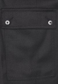 DRYKORN - FREIGHT - Cargo trousers - schwarz - 2