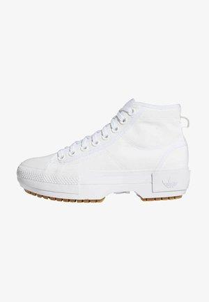 NIZZA TREK  - Sneakers high - ftwr white/gum /grey one