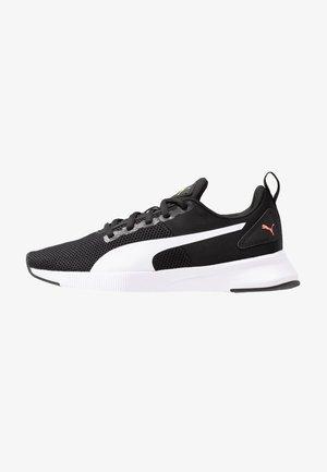 FLYER RUNNER - Neutral running shoes - black/white/pink alert