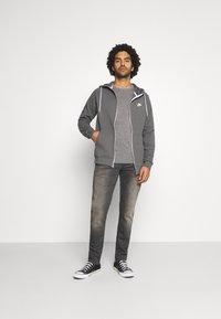 G-Star - 3301 STRAIGHT TAPERED - Straight leg jeans - slander grey  superstretch - 1
