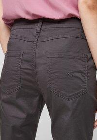 QS by s.Oliver - Shorts - dark grey - 6