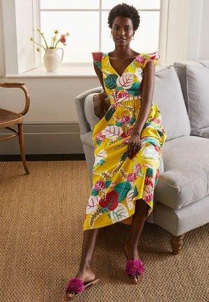 ANDREA - Maxi dress - narzissengelb  tropischer urlaub