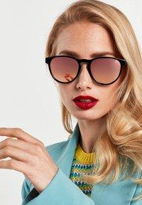 Hawkers - CRUSH - Sunglasses - black - 0