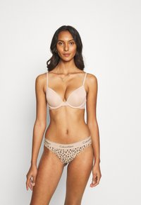 Calvin Klein Underwear - MODERN TANGA - Stringit - honey almond - 1