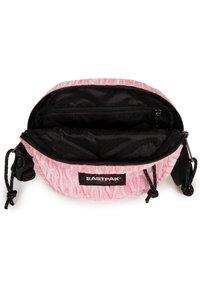 Eastpak - ADA - Across body bag - velvet pink - 4