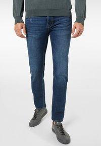 Pierre Cardin - LYON - Jeans Tapered Fit - dark blue - 0