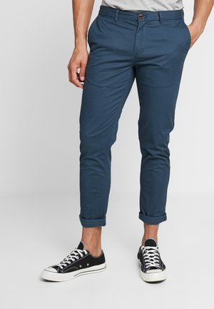 MOTT CLASSIC SLIM FIT - Chino - steel