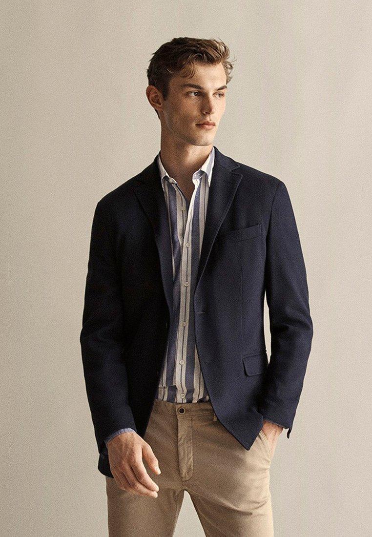 Massimo Dutti - MIT STRUKTURMUSTER  - Blazer jacket - dark blue