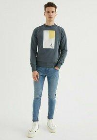 WESTMARK LONDON - Sweatshirt - turbulence - 1