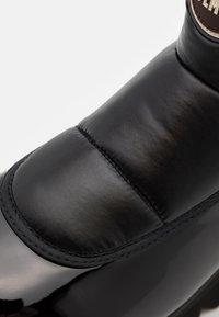Colmar Originals - CLAUDIE - Platform ankle boots - black - 4