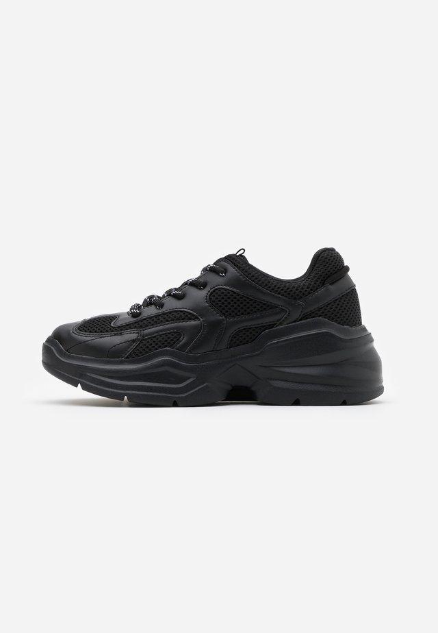VEGAN EMINA - Sneakers basse - black
