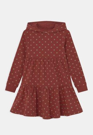 NKFOPLI DRESS - Denní šaty - spiced apple