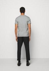 PS Paul Smith - SLIM FIT ZEBRA - Basic T-shirt - mottled grey - 2