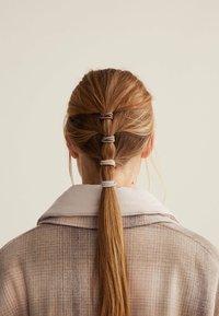 OYSHO - 12 PACK - Accessori capelli - beige - 1