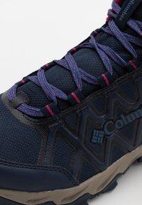 Columbia - PEAKFREAK X2 MID OUTDRY - Hiking shoes - collegiate navy/dark fuchsia - 5