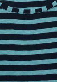 Cecil - MIT STREIFEN MUSTER - Long sleeved top - grün - 4