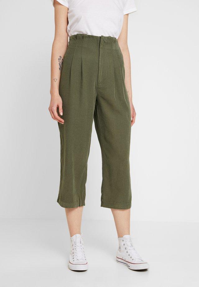 TRIAL SEAM TROUSER - Trousers - khaki