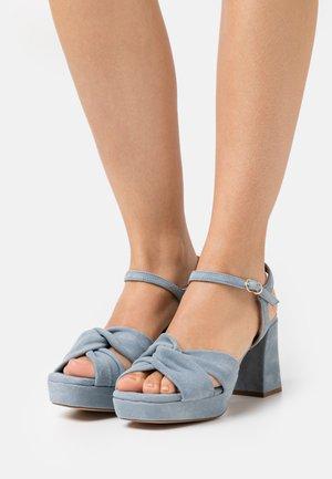 Sandály na platformě - amalfi sky