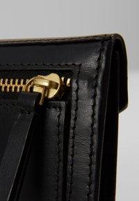 Royal RepubliQ - EMPRESS WALLET - Peněženka - black - 6