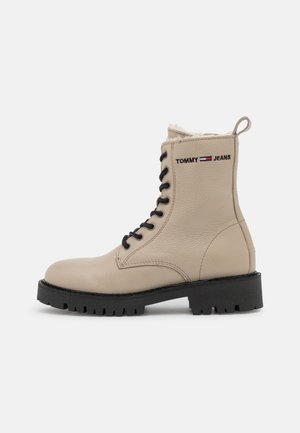 WARMLINED BOOT - Winter boots - stone