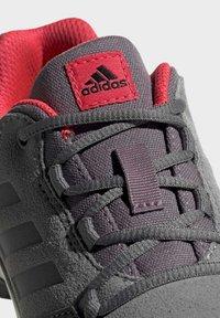 adidas Performance - TERREX HYPERHIKER LOW LEATHER HIKING SHOES - Trekingové boty - grey - 5