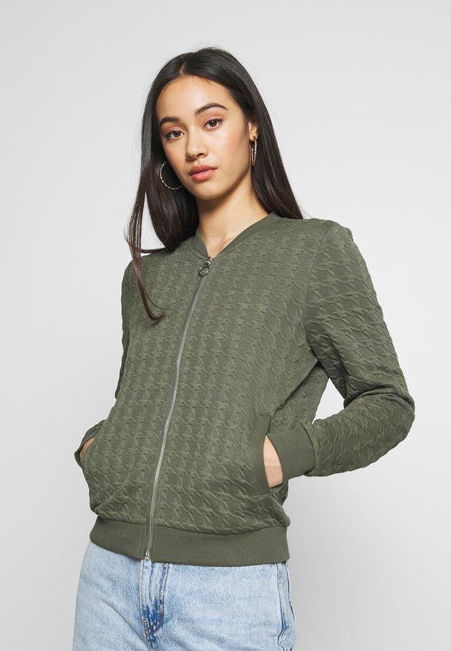 ONLMYNTHE JOYCE - Zip-up hoodie - kalamata