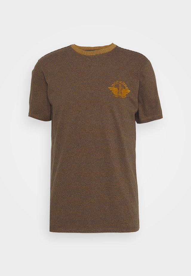 LOGO TEE - Triko s potiskem - dark ginger/desert honey