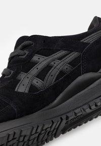 ASICS SportStyle - GEL-LYTE III UNISEX - Sneakers basse - black - 5