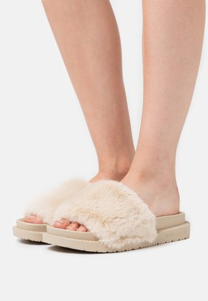 Pantofle - cream