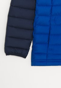 Columbia - POWDER LITE BOYS HOODED - Snowboard jacket - bright indigo/collegiate navy - 2