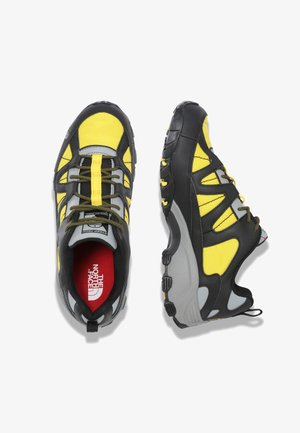 M STEEP TECH FIRE ROAD - Sneakers laag - tnf black/lightning yelow