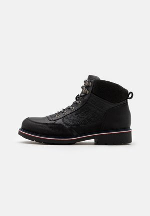 CHECK LINING BOOT - Lace-up ankle boots - black