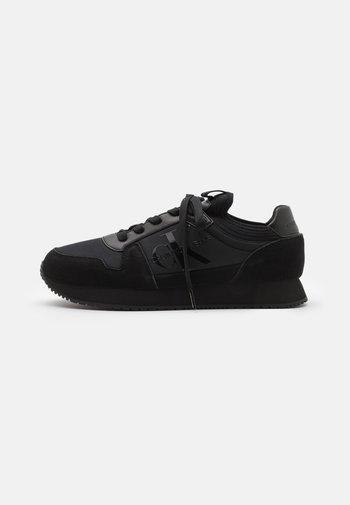 RUNNER SOCK LACEUP  - Trainers - full black