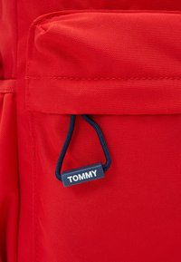 Tommy Hilfiger - KIDS CORE BACKPACK - Mochila - red