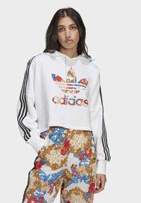 adidas Originals - BOXY - Sweatshirt - white - 0