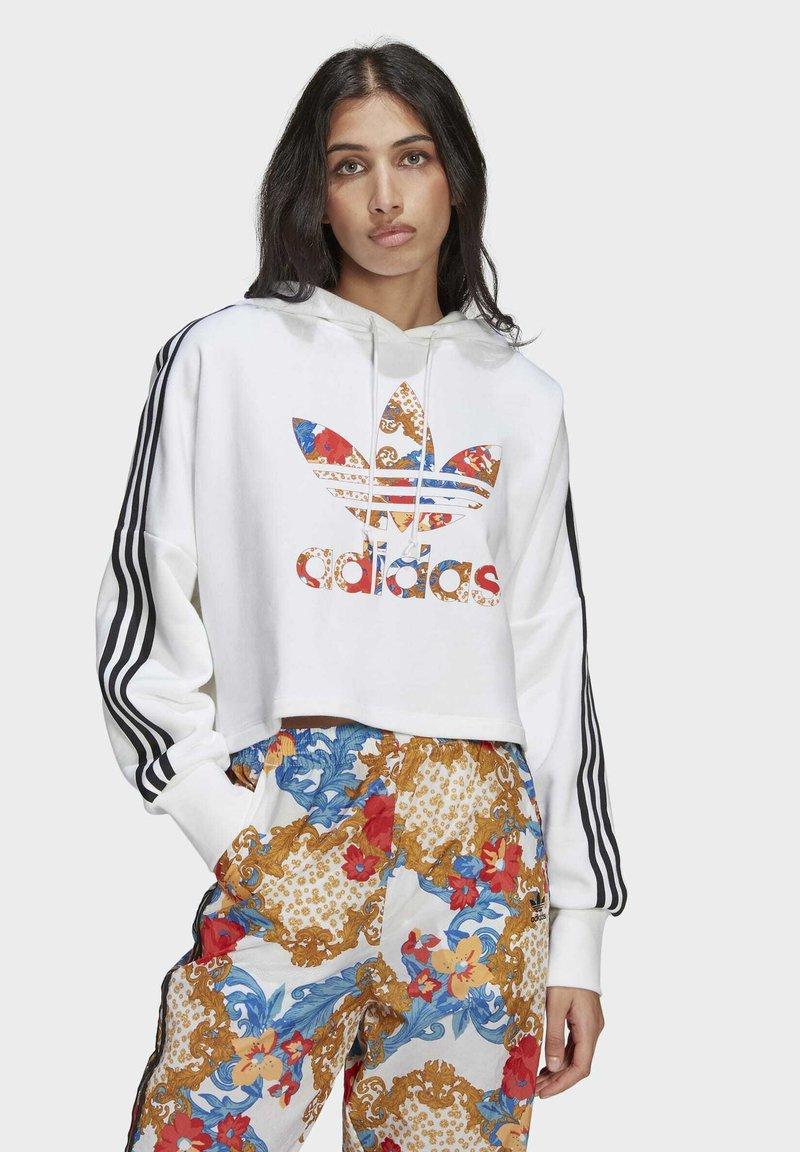 adidas Originals - BOXY - Sweatshirt - white