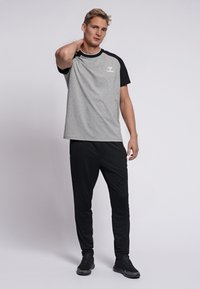 Hummel - T-shirts print - grey melange - 1