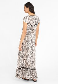 LASCANA - Maxi dress - sand bedruckt - 2