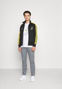 adidas Originals - TEE - Camiseta estampada - white - 1