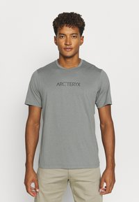 Arc'teryx - REMIGE WORD MEN'S - Print T-shirt - cryptochrome - 0
