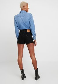 Levi's® - RIBCAGE SHORT - Jeansshorts - late shift