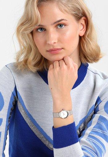 FREJA - Klocka - silver-coloured/gold-coloured