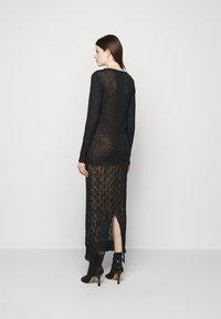 Trussardi - Pletené šaty - black - 2