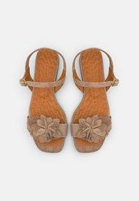 Chie Mihara - TADUL - Sandals - zeus sand - 4