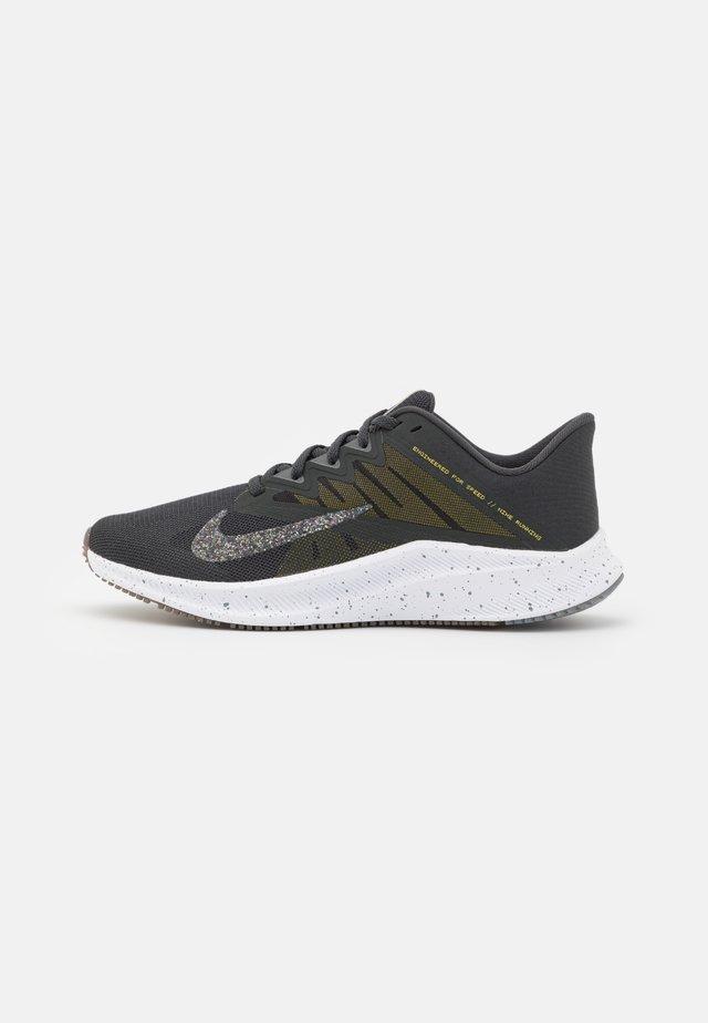 QUEST 3 PRM - Neutral running shoes - dark smoke grey/wolf grey/high voltage/iron grey/light brown/white