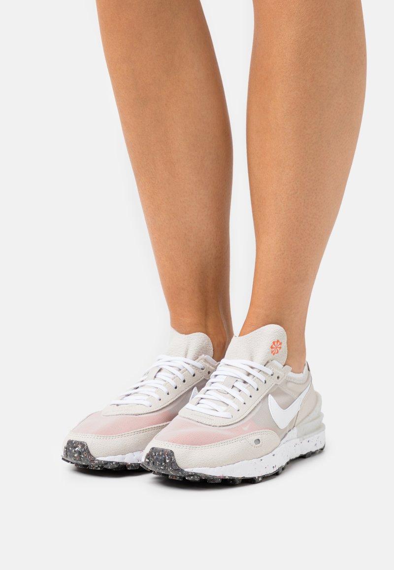 Nike Sportswear - WAFFLE ONE - Zapatillas - cream/white/orange/black