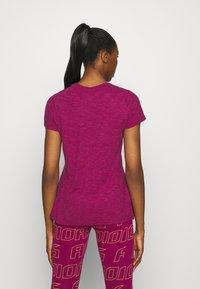 adidas Performance - WINNERS TEE - Print T-shirt - berry - 2